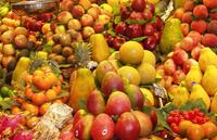 Сырые фрукты для ребенка