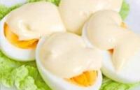 Яйца под бешамелью для ребенка