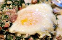 Яйца со шпинатом для ребенка