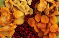 Сухие фрукты (сухофрукты) для ребенка