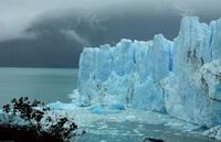 Чистая вода в ледниках.