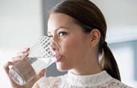 Как снизить аппетит водой