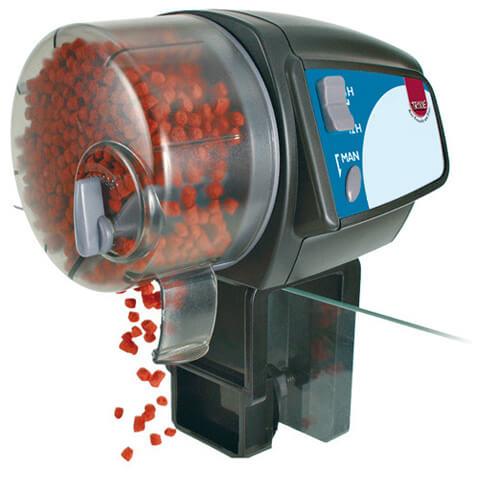 Автоматическая кормушка для аквариумных рыб.
